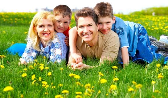 картинка отдых с детьми на природе